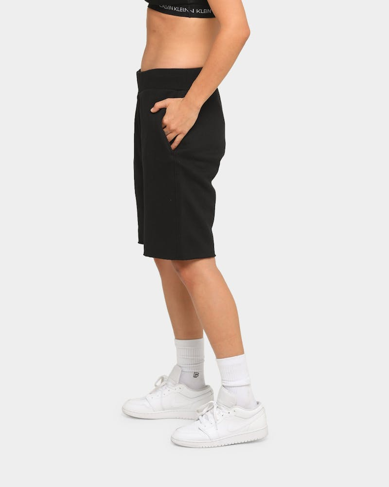CHAMPION REVERSE WEAVE CUT OFF SCRIPT SHORT BLACK/GOLD