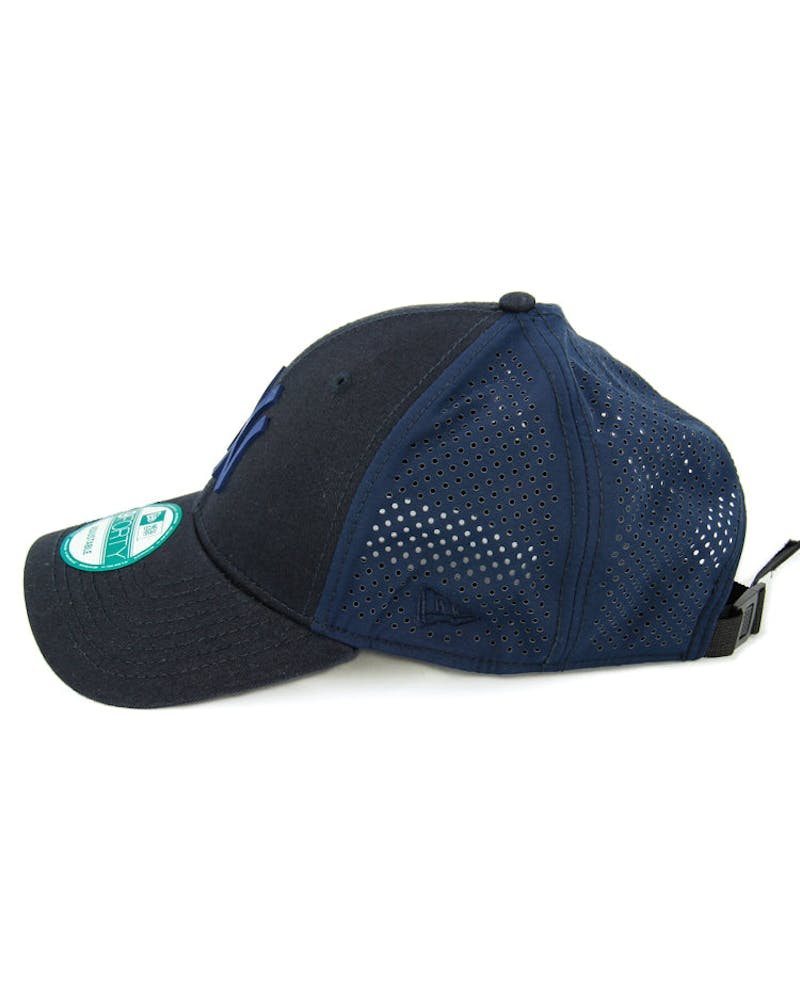 New Era Yankees 9FORTY Tech Mesh Clipback Navy/navy