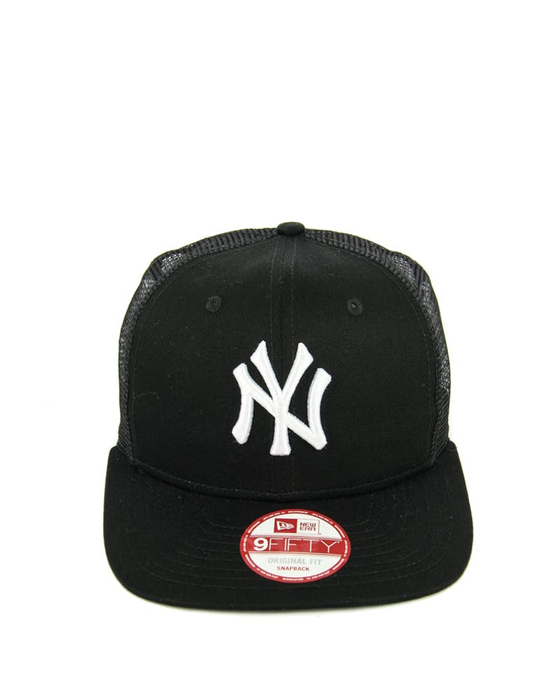 Yankees Trucker Mesh Snapback Black/white