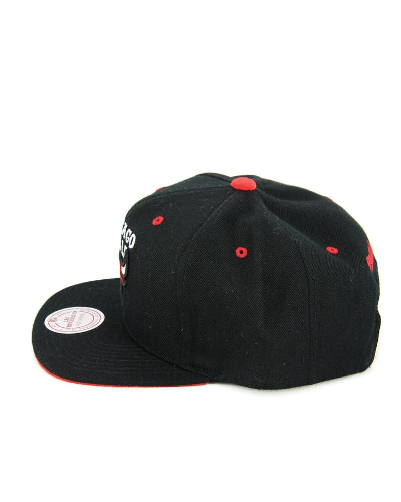 Bulls Solid Velour Logo Snapback Black/red
