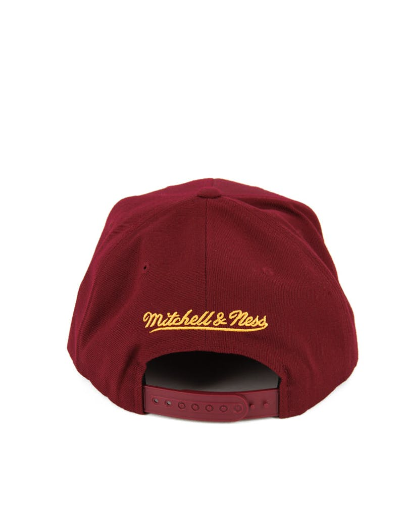Cavaliers Gothic City Snapback Burgundy