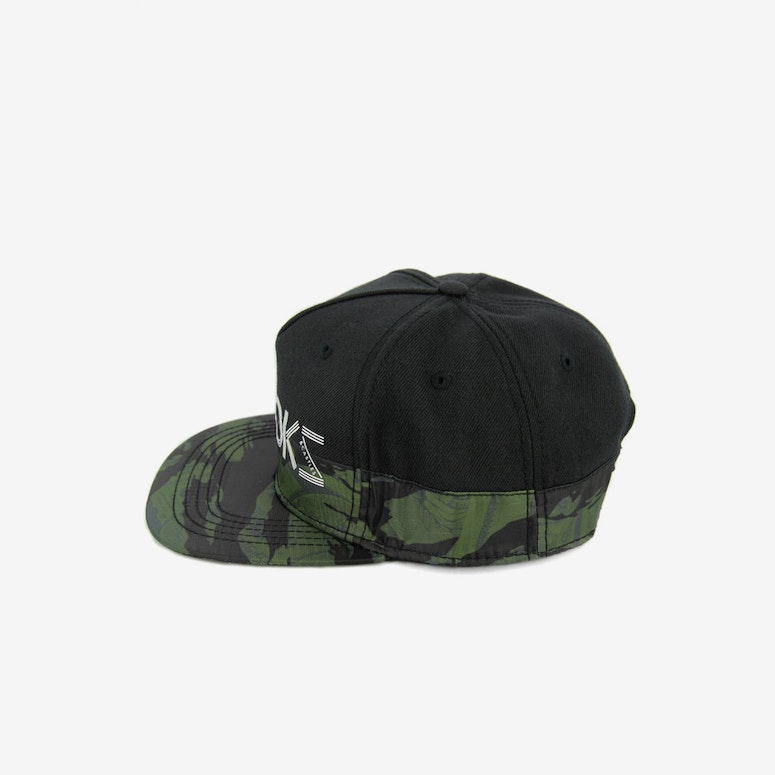 Currency Snapback Black Camo
