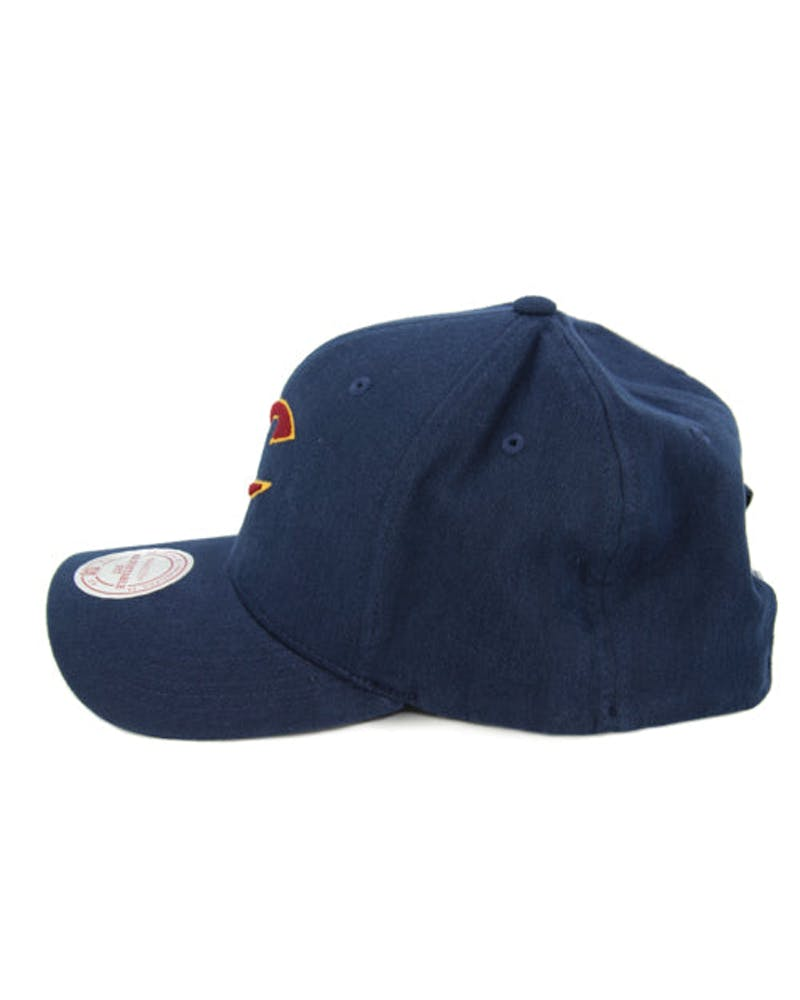 Cavaliers 110 Washed Snapback Navy