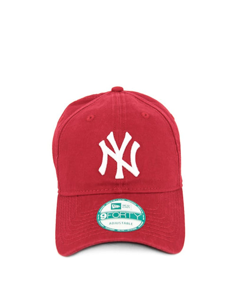 New Era Yankees Washed 9FORTY Strapback Scarlet/white