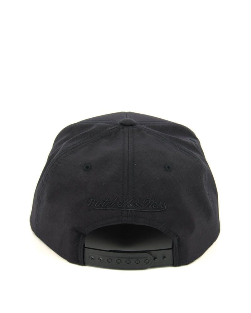 Bulls Warm up Snapback Black