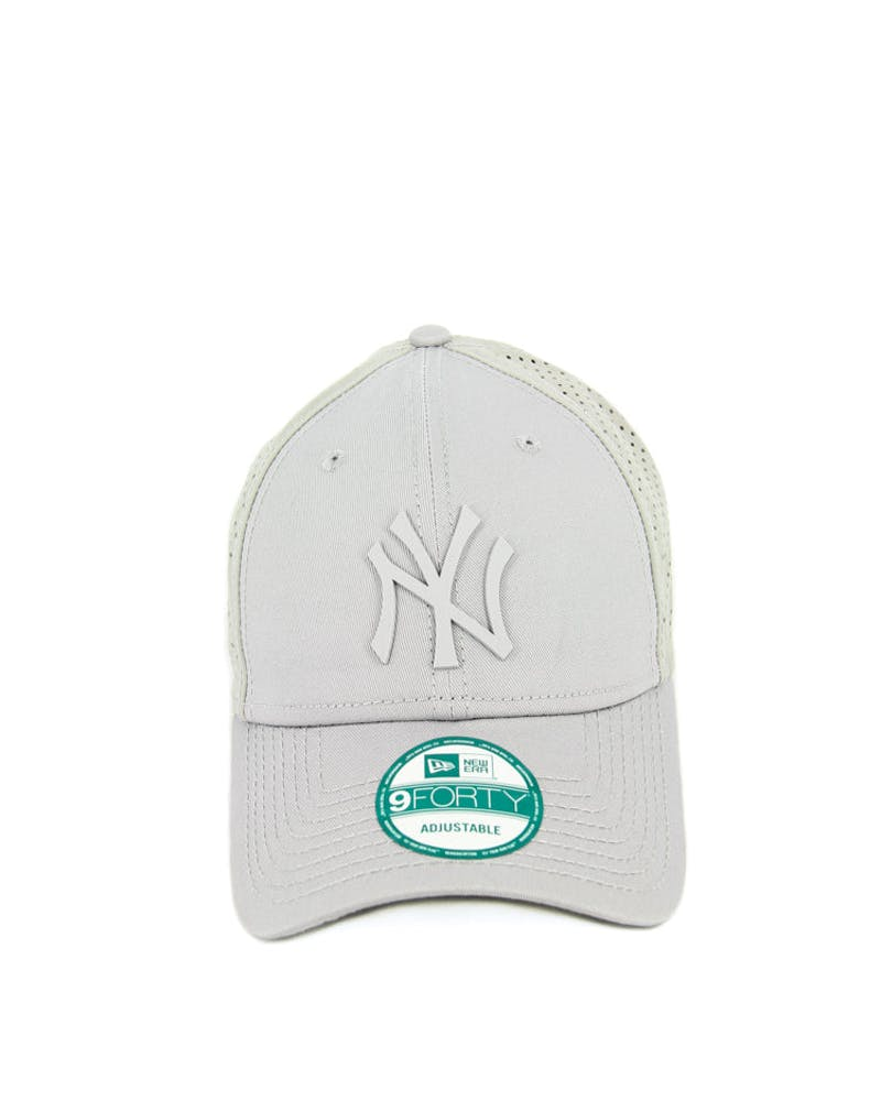 New Era Yankees 9FORTY Tech Mesh Clipback Grey/grey