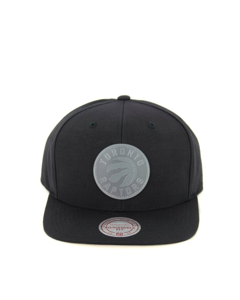 Raptors Warm up Snapback Black