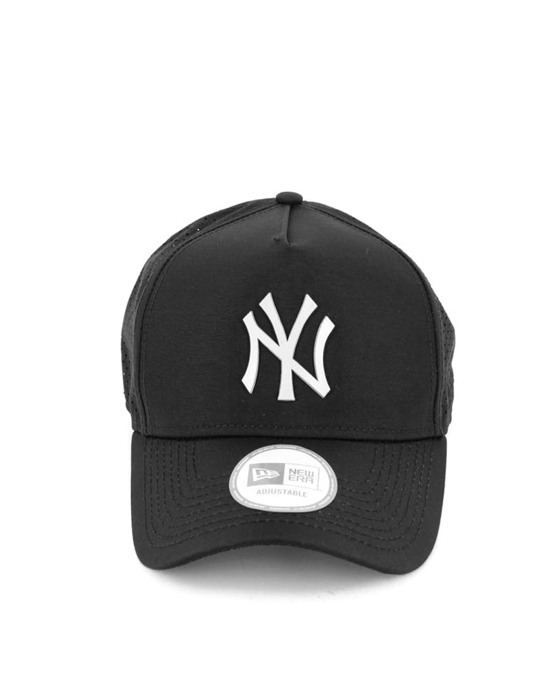 New Era Yankees 9FORTY A-Frame Perf Snapback Black