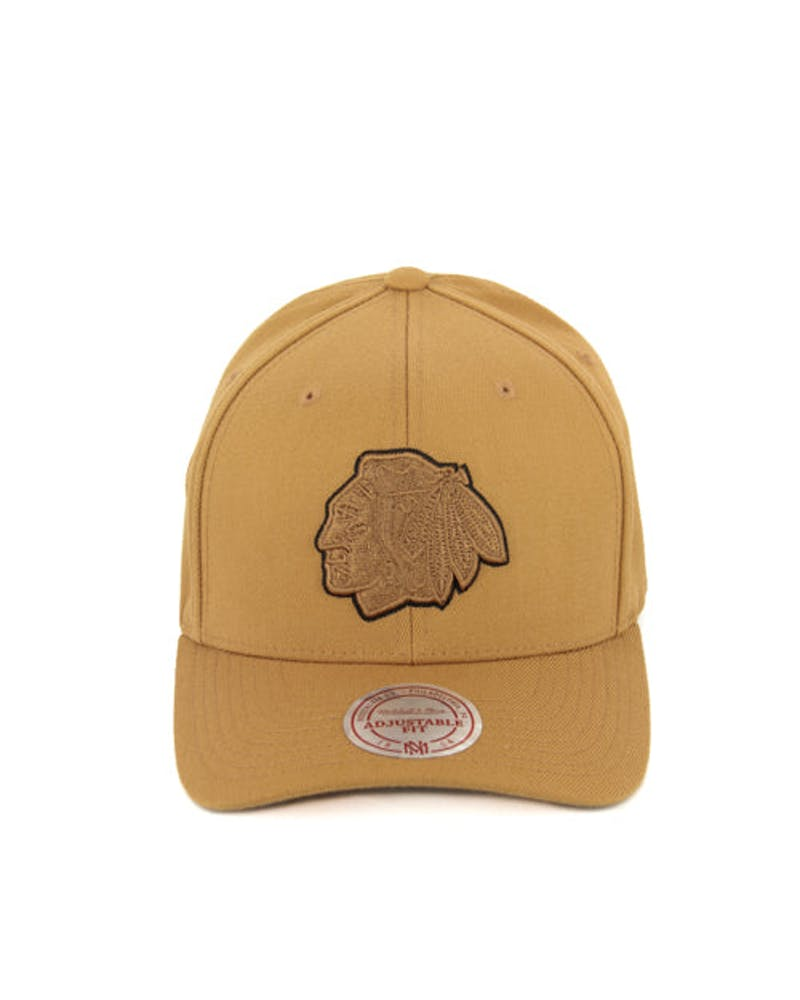 Blackhawks 110 Outline Snapback Tan/black