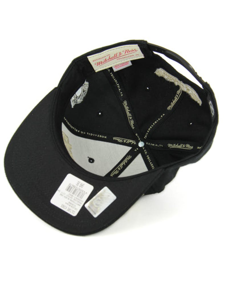 Penguins Gothic City Snapback Black