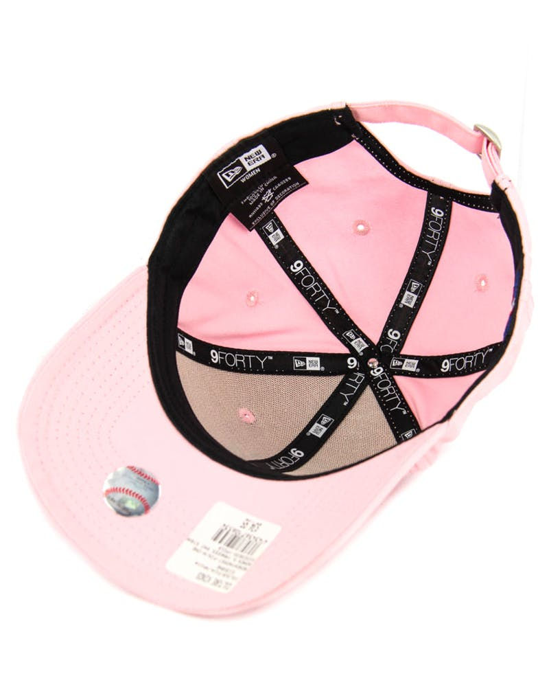 New Era Women's Yankees 9FORTY Strapback Pink/white