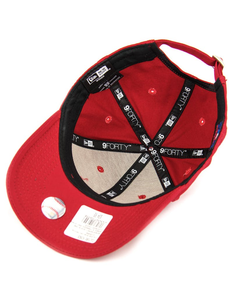 New Era Women's Yankees 9FORTY Strapback Scarlet/white